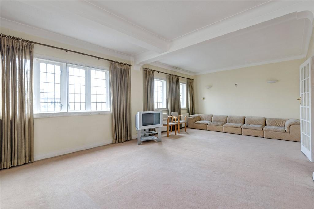 3 Bedrooms Flat for sale in Wellington Court, Wellington Road, St John's Wood, NW8