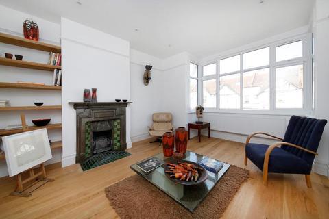 3 bedroom flat for sale - Kilmartin Avenue, Norbury, London, SW16 4RE