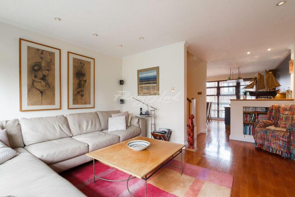 3 Bedrooms Terraced House for sale in Elephant Lane, Rotherhithe SE16