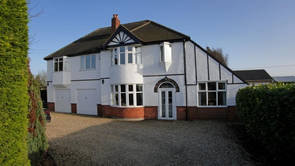 5 Bedrooms Detached House for sale in Wragby Road East, North Greetwell, Lincoln