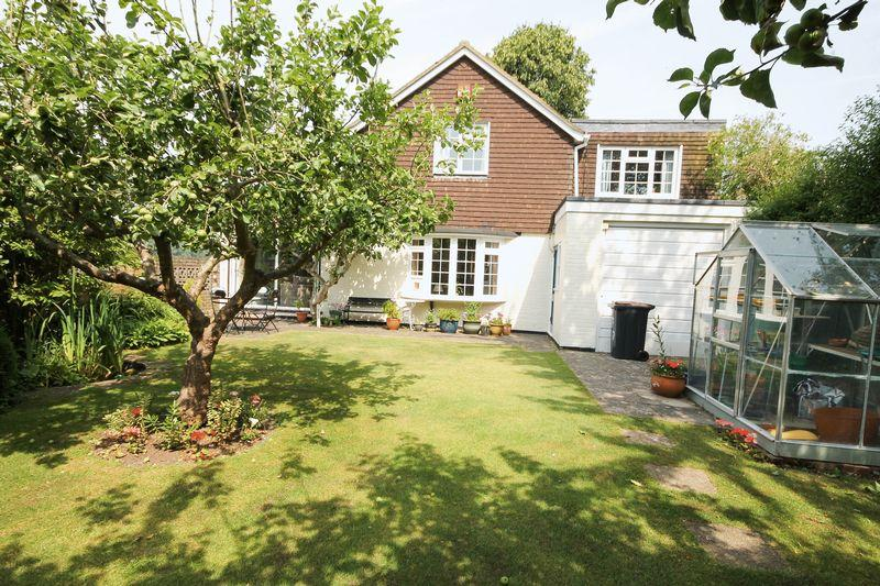 4 Bedrooms Detached House for sale in Horndean Road, Emsworth