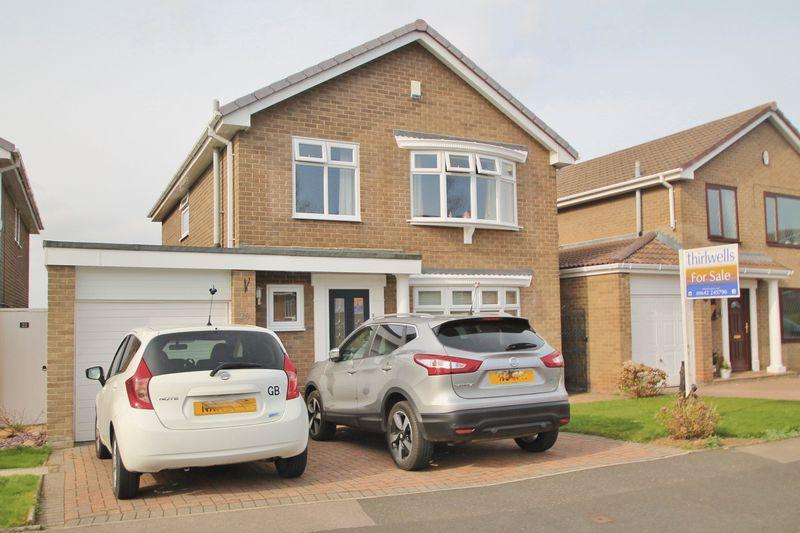 4 Bedrooms Detached House for sale in Egton Avenue, Nunthorpe