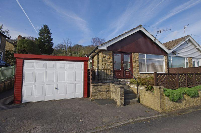 2 Bedrooms Semi Detached Bungalow for sale in Woodlands, Triangle, HX6 3PD