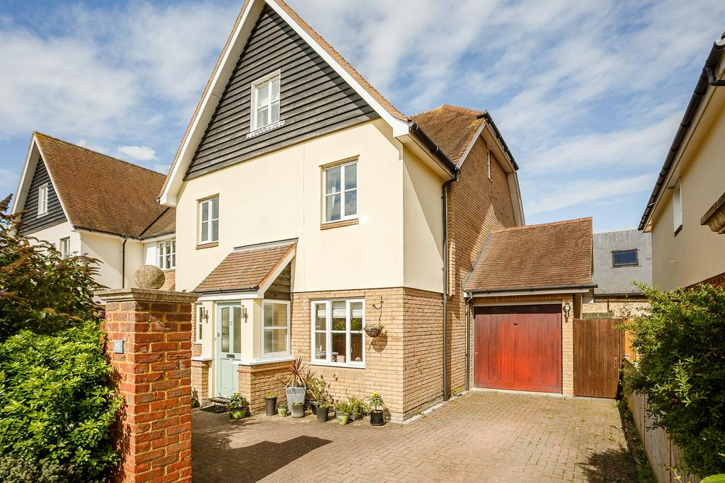 5 Bedrooms End Of Terrace House for sale in Colbron Close, ASHWELL, SG7