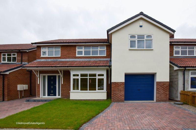 4 Bedrooms Detached House for sale in 322 Manchester Road, Woolston, Warrington