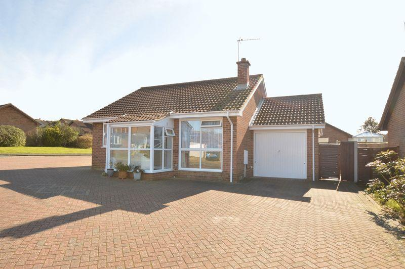 2 Bedrooms Bungalow for sale in LAKE