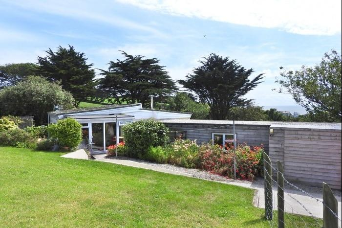 2 Bedrooms Bungalow for sale in 1,2 and 3 GODOLPHIN COTTAGES, TR20