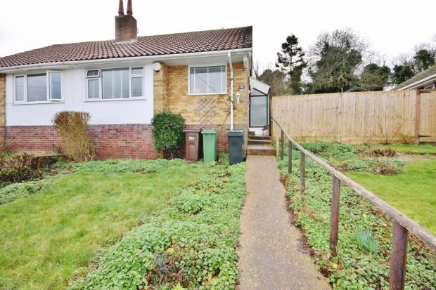 2 Bedrooms Bungalow for sale in Selmeston Road, Eastbourne, BN21