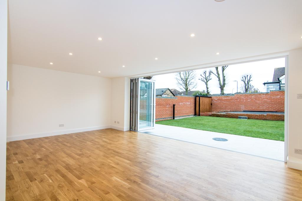 4 Bedrooms Bungalow for sale in Ferrymead Avenue, Greenford
