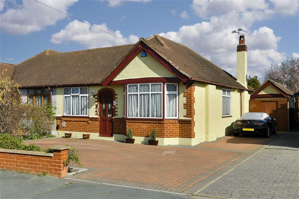 2 Bedrooms Semi Detached Bungalow for sale in Derek Avenue, West Ewell, Surrey