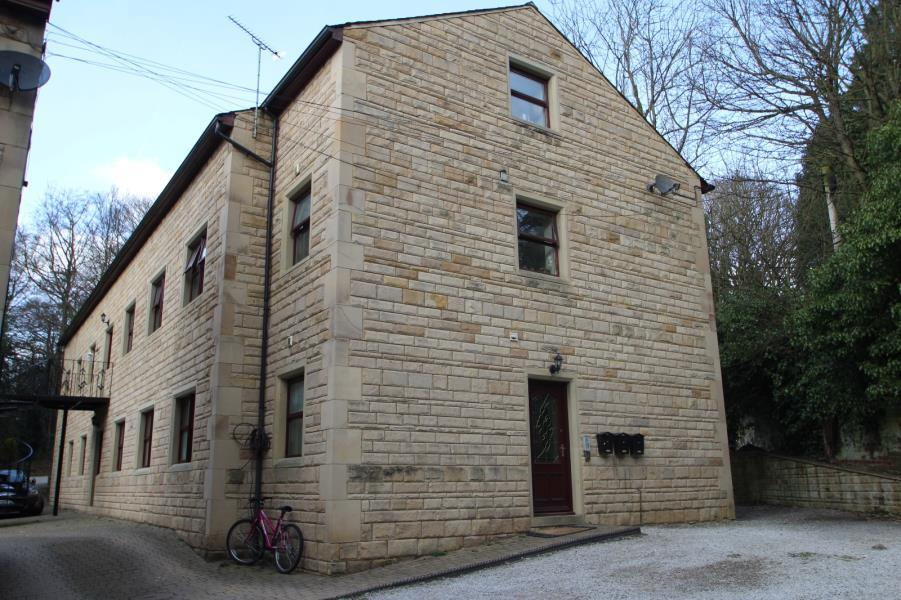 2 Bedrooms Flat for rent in WOODLEIGH HALL MEWS, KNOTT LANE, RAWDON, LS19 6QX