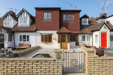 Properties For Sale In Kelvedon Hatch