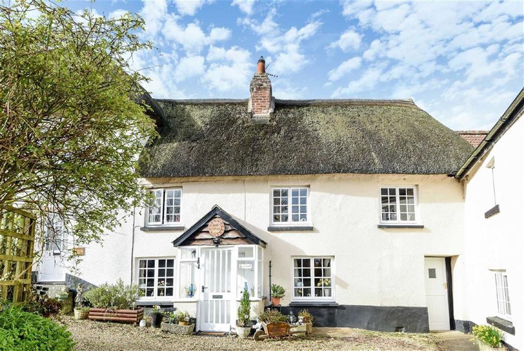 3 Bedrooms Semi Detached House for sale in 2 Park Villas, Fore Street, Crediton, Devon, EX17
