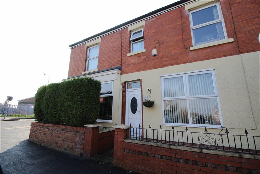 4 Bedrooms End Of Terrace House for sale in Longford Road, Reddish, Stockport