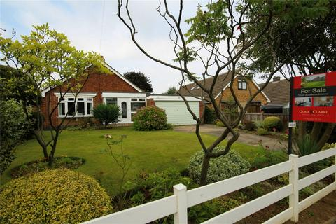 3 bedroom detached bungalow for sale - Easenby Avenue, Kirk Ella, Hull, East Riding of Yorkshire