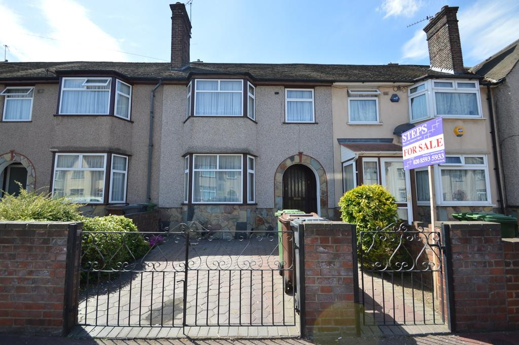 3 Bedrooms Terraced House for sale in Review Road, Dagenham
