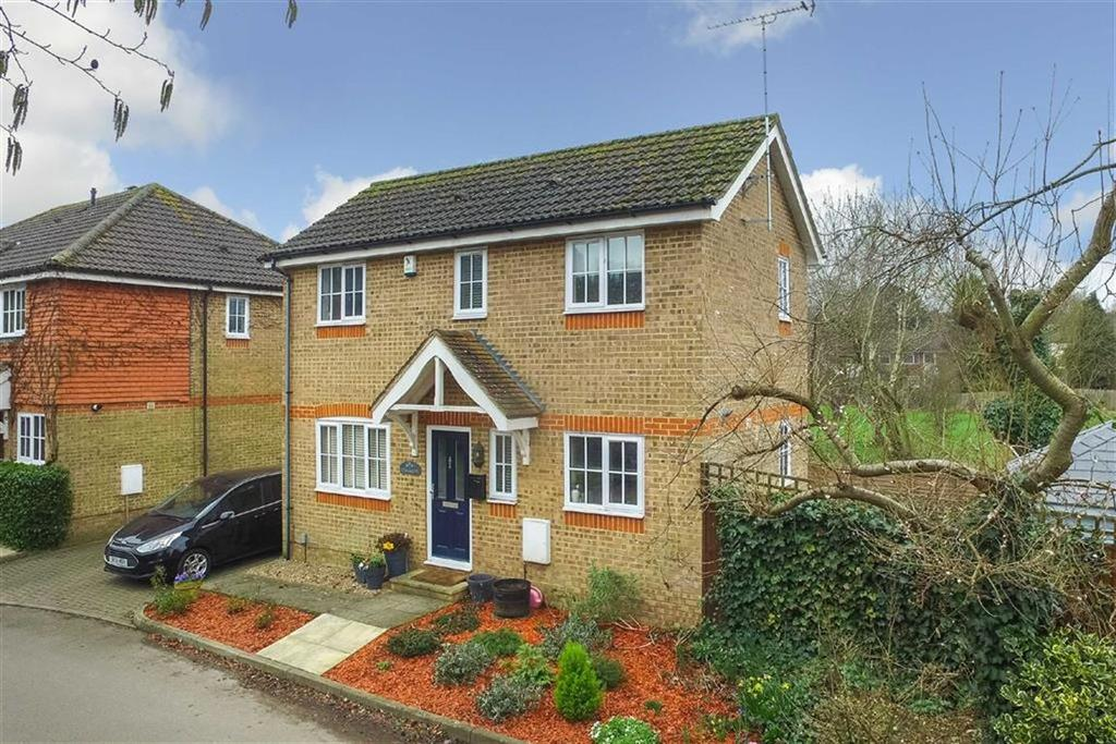 2 Bedrooms Detached House for sale in Riverbanks Close, Harpenden, Hertfordshire, AL5