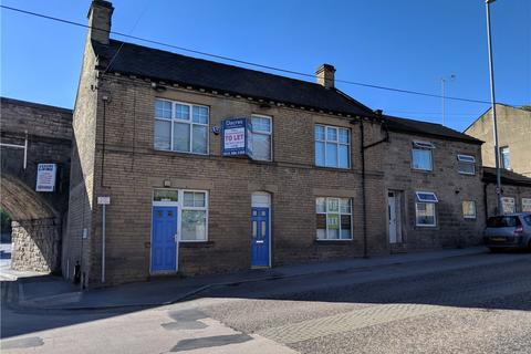 Office to rent - Bradford Road, Stanningley, Pudsey, Leeds