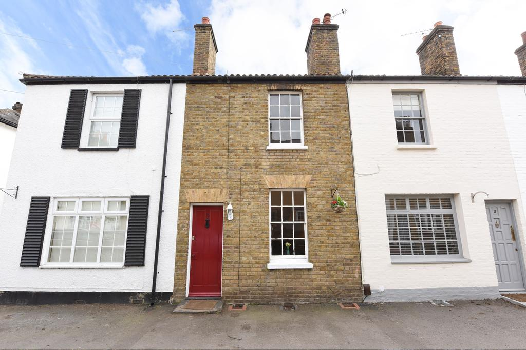 2 Bedrooms Terraced House for sale in Pantile Road, Weybridge KT13