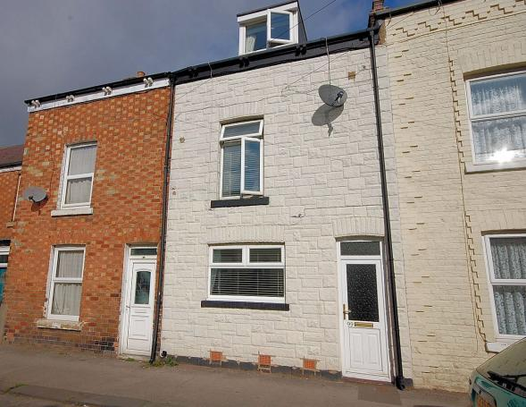 3 Bedrooms Terraced House for sale in Hoxton Road, Town, Scarborough, North Yorkshire YO12 7SX