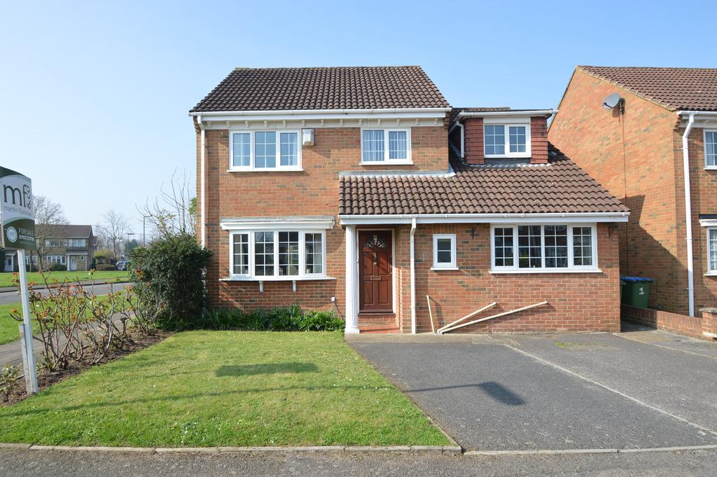 4 Bedrooms Detached House for sale in Severn Drive, WALTON ON THAMES KT12