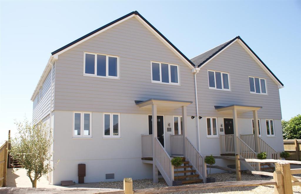 4 Bedrooms Semi Detached House for sale in Elmer Road, Elmer