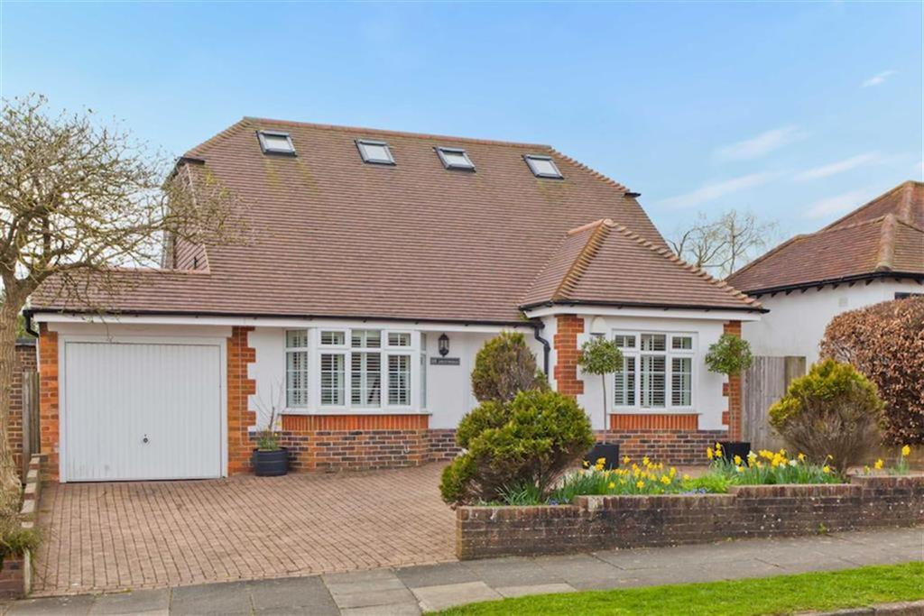 3 Bedrooms Detached House for sale in Green Ridge, Brighton, East Sussex