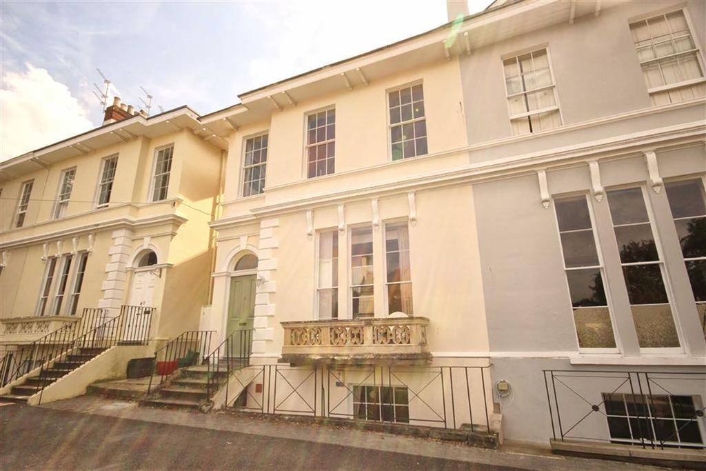 1 Bedroom Flat for sale in Malvern Place, Lansdown, Cheltenham, GL50