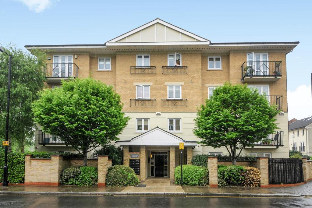 2 Bedrooms Flat for sale in Maltings Lodge, Corney Reach Way, Chiswick, W4