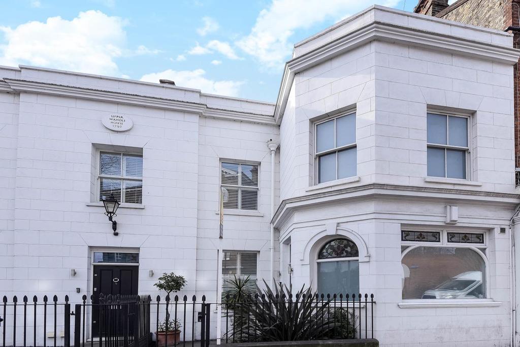 4 Bedrooms Terraced House for sale in Garratt Lane, Earlsfield, SW18