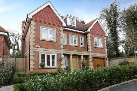 5 bedroom detached house for sale - Westminster Close, Northwood, Middlesex, HA6