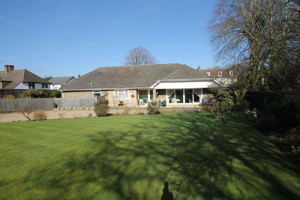 3 Bedrooms Bungalow for sale in Chart Lane, Brasted