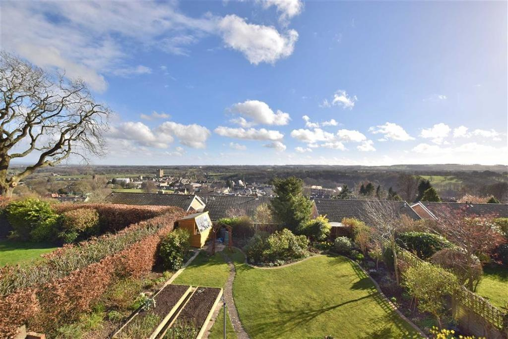 3 Bedrooms Detached House for sale in Gallowfields Road, Richmond, North Yorkshire