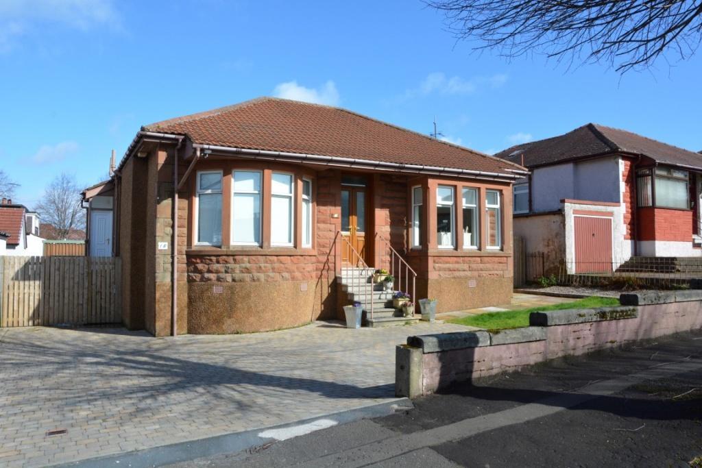 3 Bedrooms Detached House for sale in 16 Norbreck Drive, Giffnock, G46 6AF