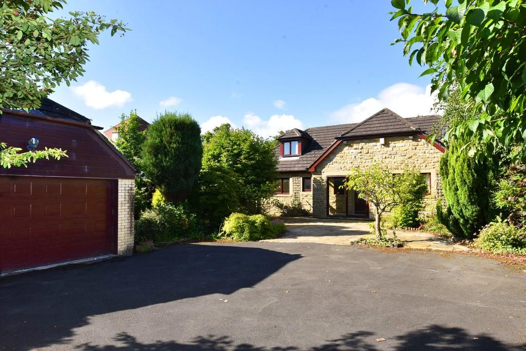 4 Bedrooms Detached Bungalow for sale in Ashville Close, Harrogate