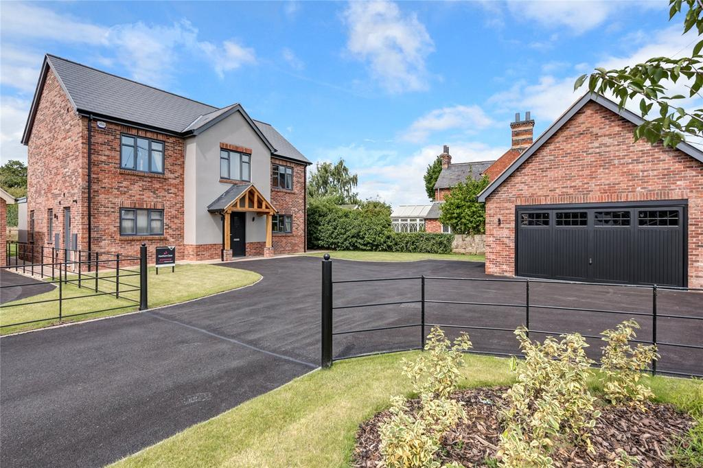 4 Bedrooms Detached House for sale in 1 Hawthorn Close, Harmer Hill, Shrewsbury, Shropshire