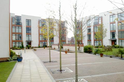 2 bedroom flat to rent - Acorn House, High Beeches
