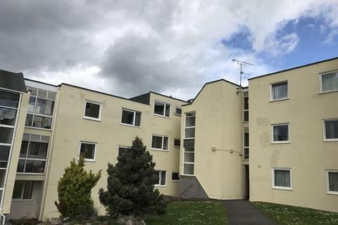 2 bedroom apartment to rent - BROADFIELDS