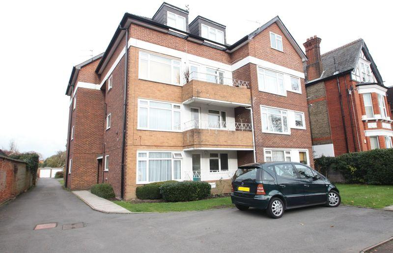 1 Bedroom Apartment Flat for sale in Howard Court,35 Bromley Road Beckenham BR3 5NZ.