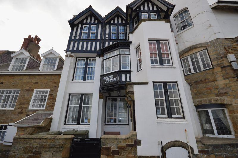 2 Bedrooms Apartment Flat for sale in The Parade, Sandsend, Whitby