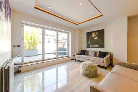 2 bedroom house to rent - Upper John Street, Soho, London, W1F