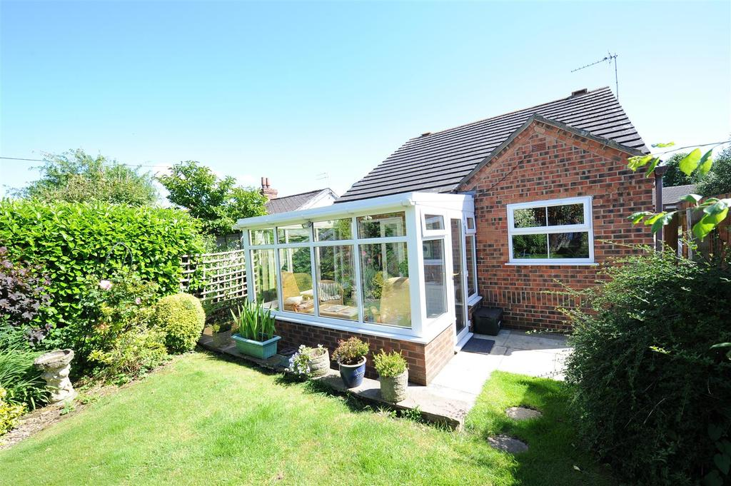 2 Bedrooms Detached Bungalow for sale in Scott Close, Catterick, Richmond