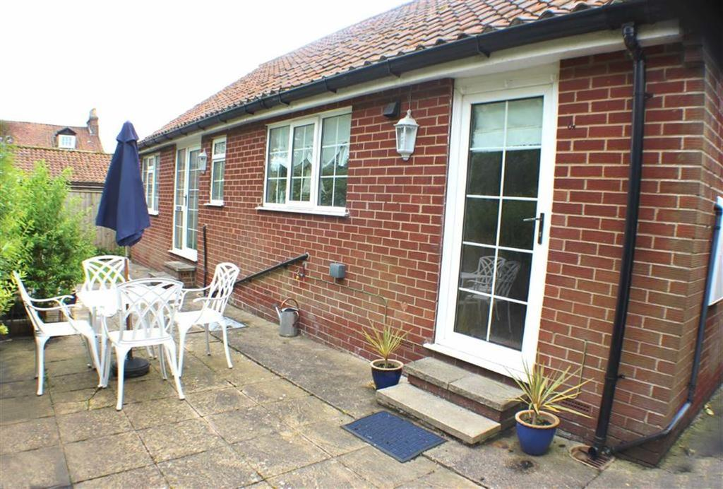 2 Bedrooms Detached Bungalow for sale in Seagate, Sewerby, East Yorkshire