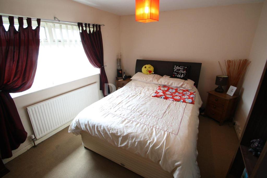 3 Bedrooms Terraced House for sale in Padarn Place, Pontnewydd
