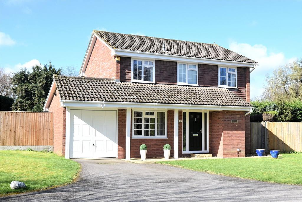 4 Bedrooms Detached House for sale in Mount Pleasant Drive, Tadley, Hampshire, RG26