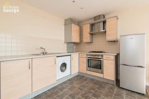 2 bedroom flat to rent - Market House, Main Street, Dickens Heath, B90 1UA