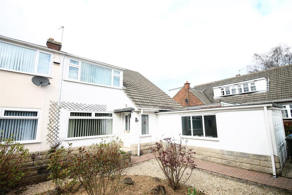 3 Bedrooms Semi Detached House for sale in Hillcrest Drive, Nunthorpe, Middlesbrough