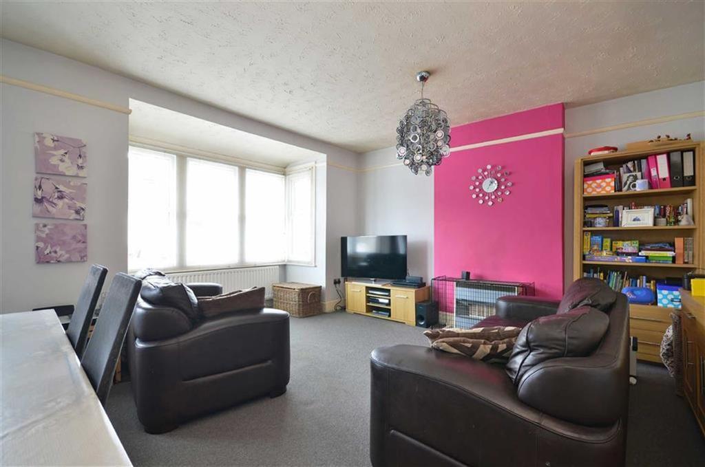 2 Bedrooms Maisonette Flat for sale in Durban Road West, Watford, Hertfordshire