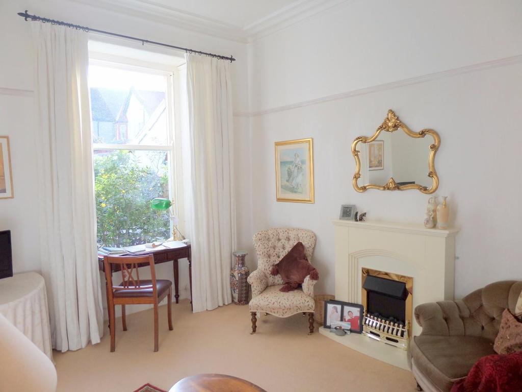 4 Bedrooms Semi Detached House for sale in Harcourt Road, Craig-y-don, Llandudno