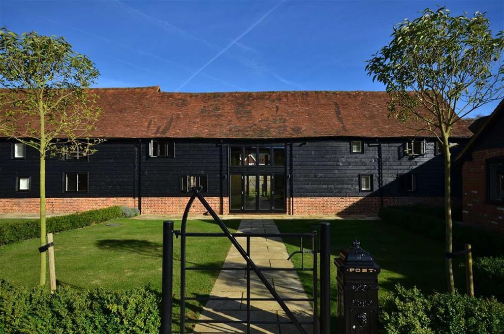 4 Bedrooms End Of Terrace House for sale in The Barns, Chorleywood, Buckinghamshire